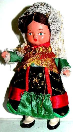 Muñeca Traje regional tradicional segoviano.